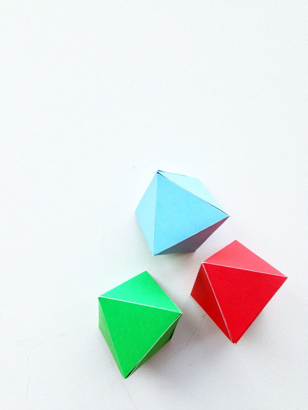 Geo Paper Ornaments for Christmas / The sweet Escape