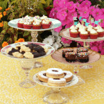 DIY vintage plate cake stands / The Sweet Escape