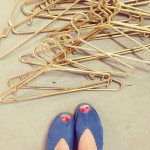 DIY plastic gold hangers / THe Sweet Escape