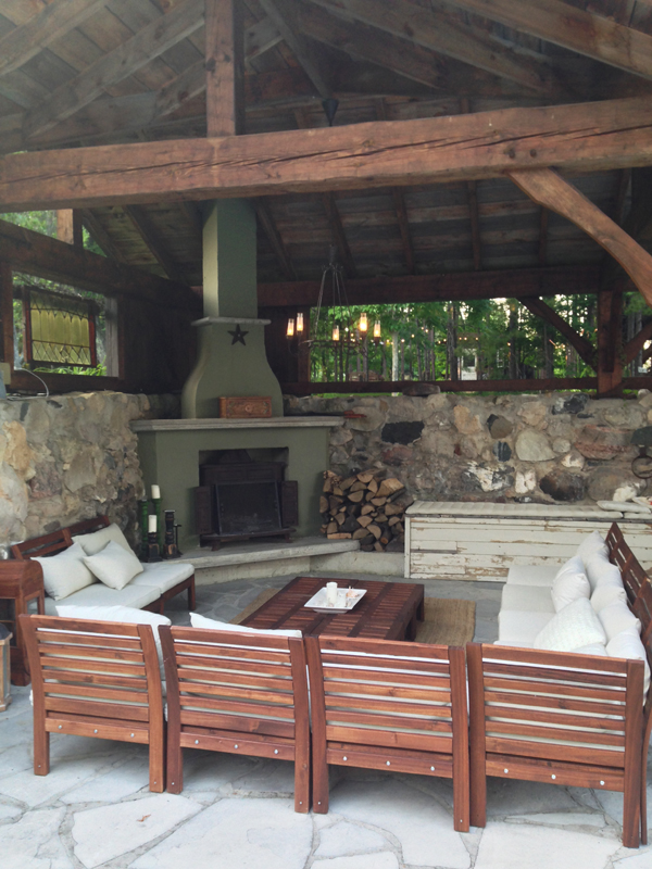 Treehouse outdoor living / The Sweet Escape