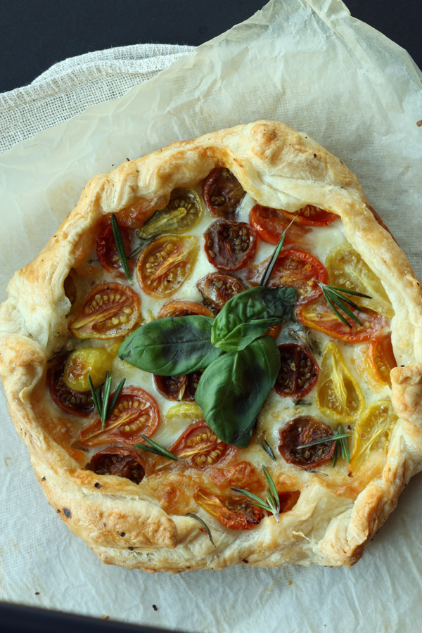 Tomato Tart Recipe / The Sweet Escape