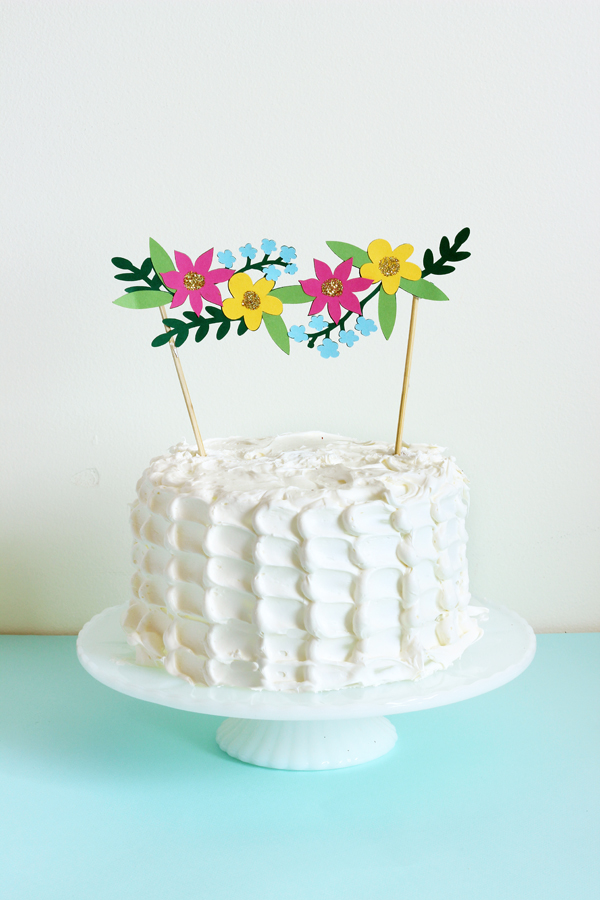 cricut explore flower cake topper 4