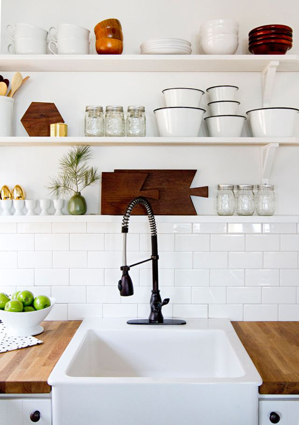 kitchen open shelving / The Sweet Escape