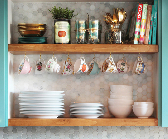 KITCHEN UPDATE: DIY Kitchen open shelving