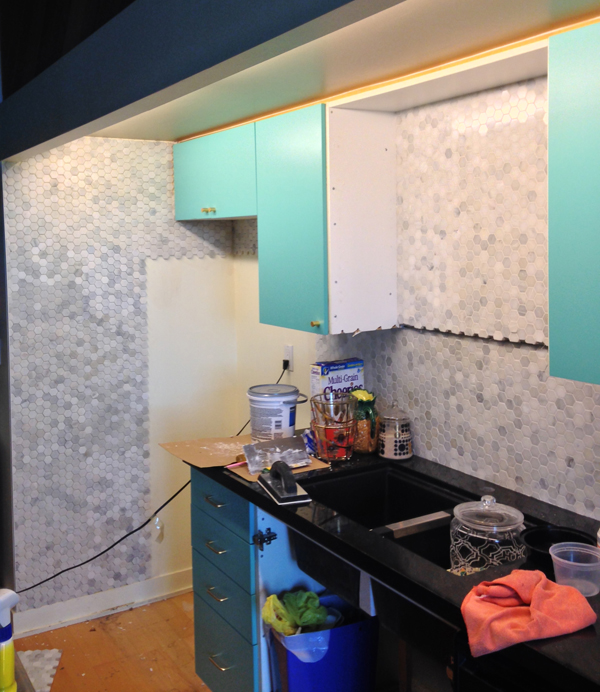 kitchen makeover tile backsplash before / The Sweet Escape