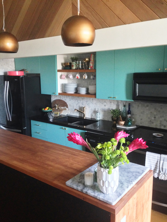 modern vintage kitchen makeover, kitchen makeover, turquoise kitchen, diy kitchen makeover