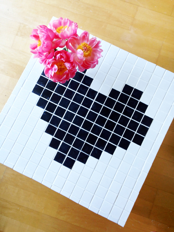 DIY Mosiac Heart Table Makeover