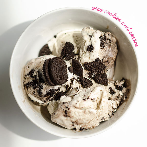 No Churn Oreo homemade ice cream - Merry Mag Summer