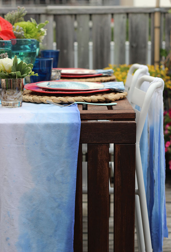 Under the Sea Outdoor Dinner Party Tablescape / The Sweet Escape