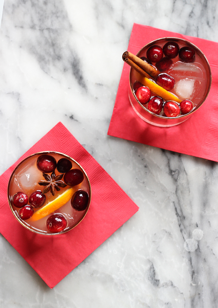 Holiday sangria, cocktails, christmas, sangria, holiday cocktail, easy holiday cocktails