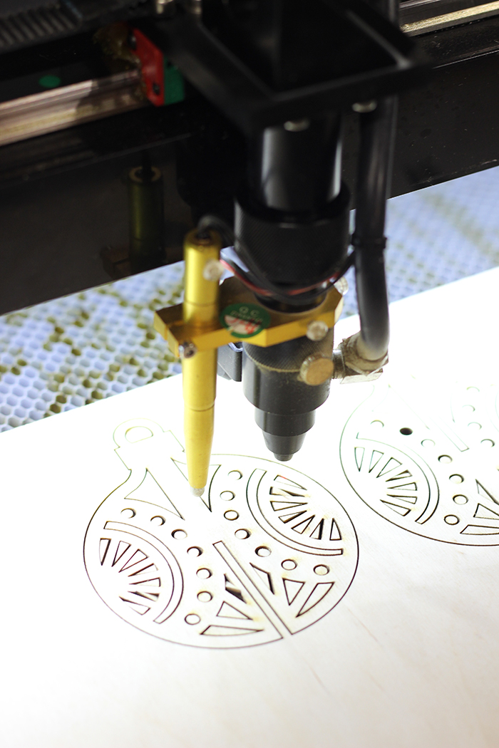 Hot Pop Factory Laser Cutting Holiday Ornaments for Merry Mag