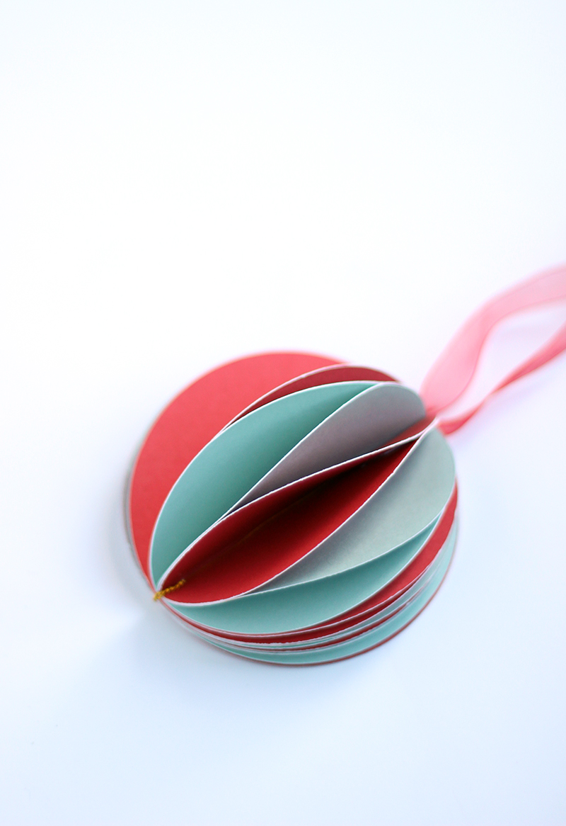 DIY Paper Christmas Ornament by The Sweet escape