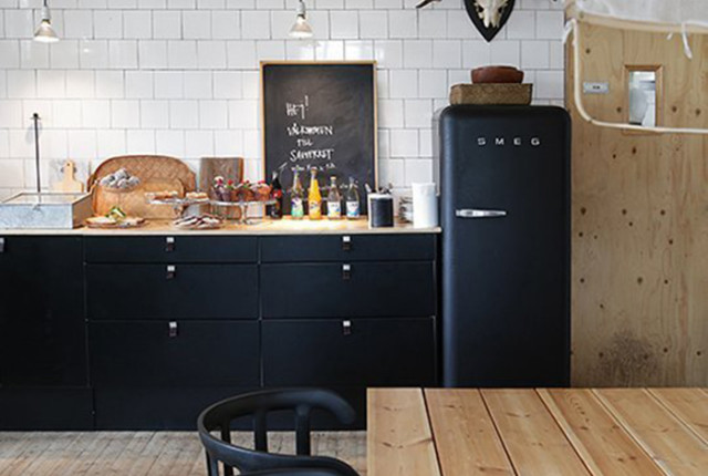 matte black kitchen design trend by The Sweet Escape for Apartment Therapy
