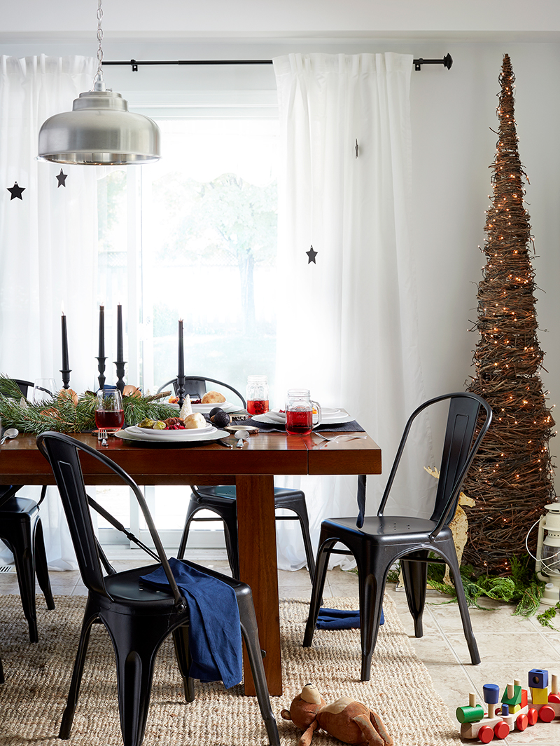 Leons Hello Holiday Look Book Dining Room