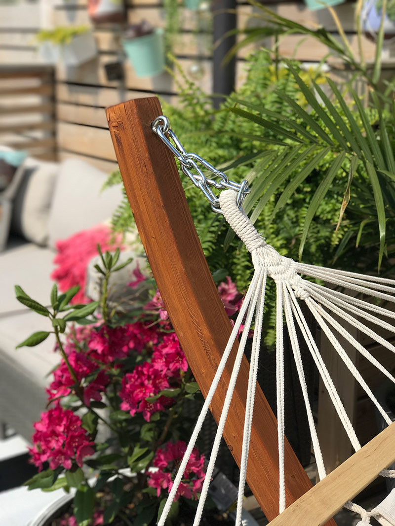 Patio Makeover by The Sweet Escape #hammock